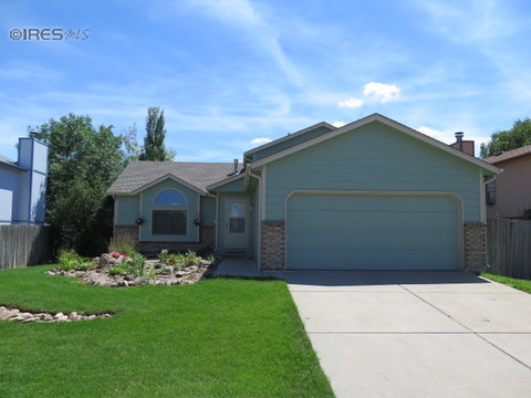 701 Bear Creek Dr, Fort Collins CO 80526