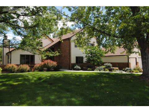 5208 Parkway Cir E, Fort Collins CO 80525
