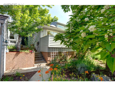 3685 Roundtree Ct, Boulder CO 80304