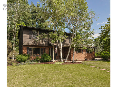 5216 Parkway Cir E, Fort Collins CO 80525