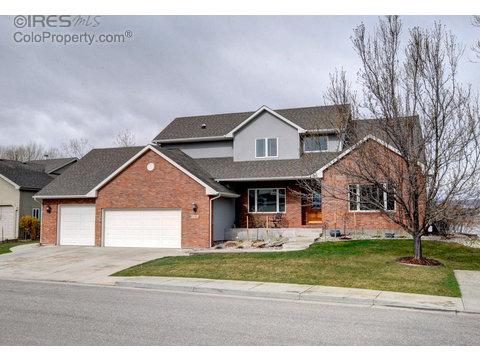 1725 Stove Prairie Cir, Loveland CO 80538