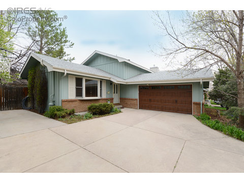 1124 Stratborough Ln, Fort Collins CO 80525