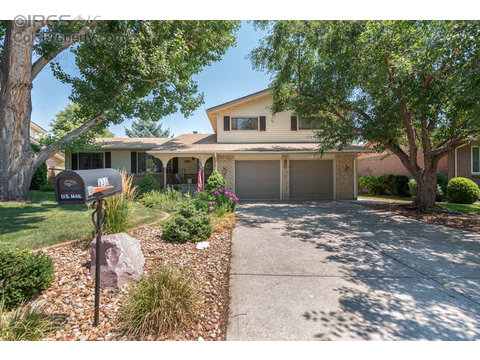 830 S Miller Ct, Lakewood CO 80226