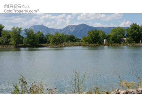 4945 Twin Lakes Rd 40, Boulder CO 80301