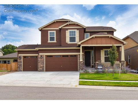 2720 Bluebonnet Ln, Fort Collins CO 80525