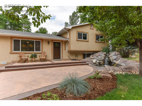 2040 Manchester Dr, Fort Collins CO 80526