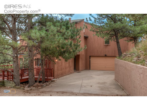91 Valley View Way, Boulder CO 80304