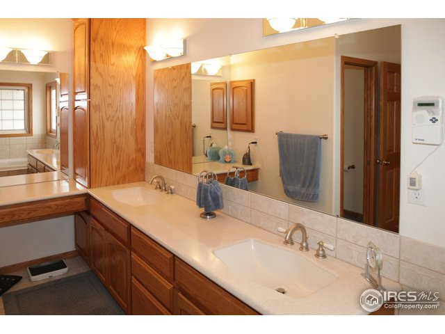 9493 Woodland Rd Longmont, CO 80503 - MLS #: 814617