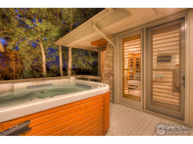 Private hot tub off master