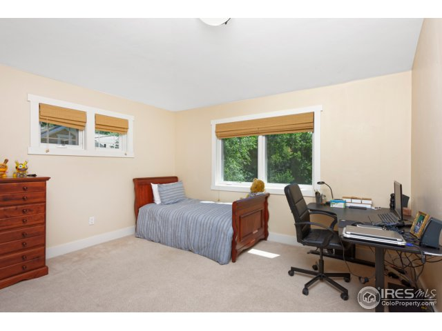 3rd Bedroom-Great Light