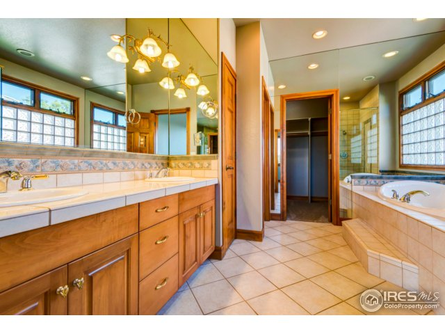 5229 Cedar Valley Dr Loveland, CO 80537 - MLS #: 823921