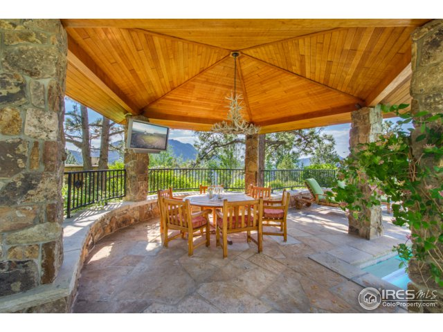 Poolside Dining Gazebo