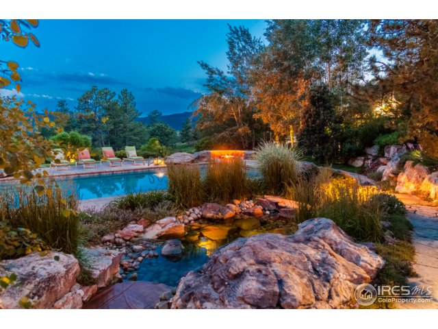 Pool, Waterfall, Firepit and Gorgeous Views