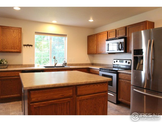3949 Kenwood Cir Johnstown, CO 80534 - MLS #: 826493