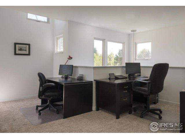 Master Sitting-Office