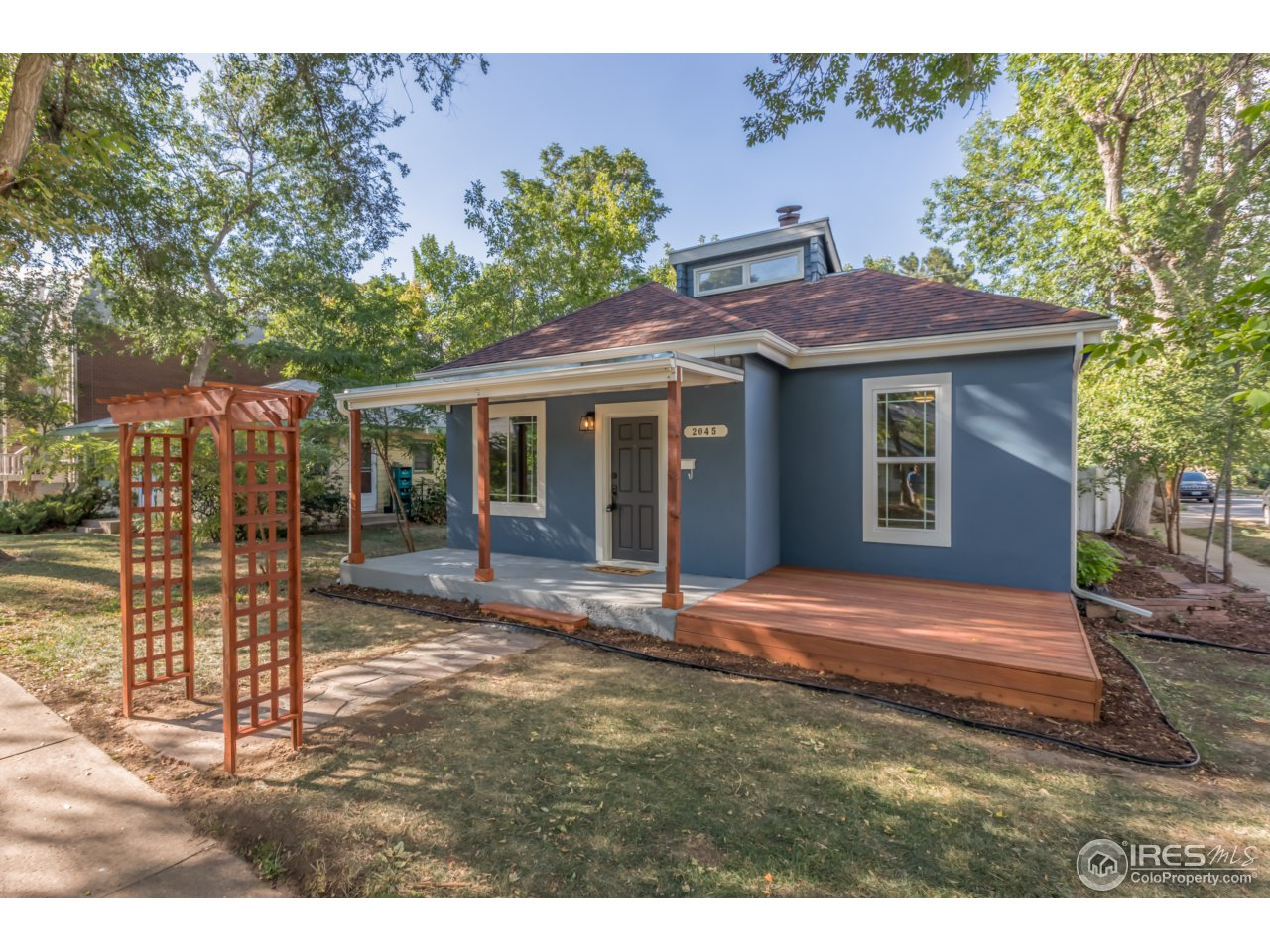 2045 Grove St, Boulder CO 80302