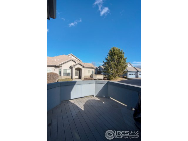 nice sized, enclosed deck/patio