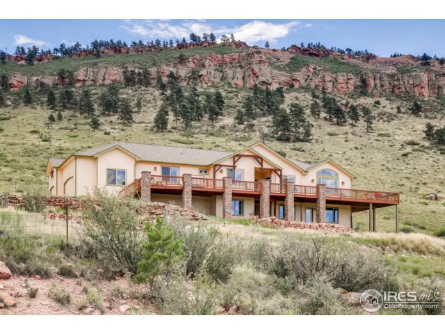 Gorgeous Foothills Location