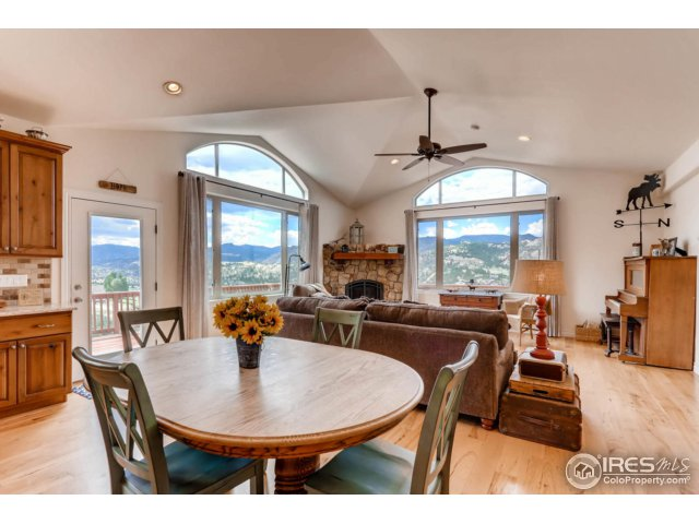 Open & Spacious Floor Plan with Lovely Views!