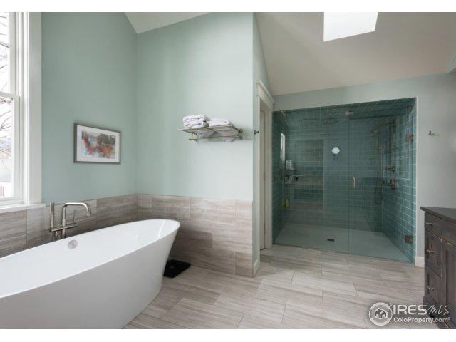 Master Bath-Tub 2