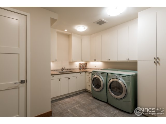 2 laundry rooms - on main level & 1 on lower level