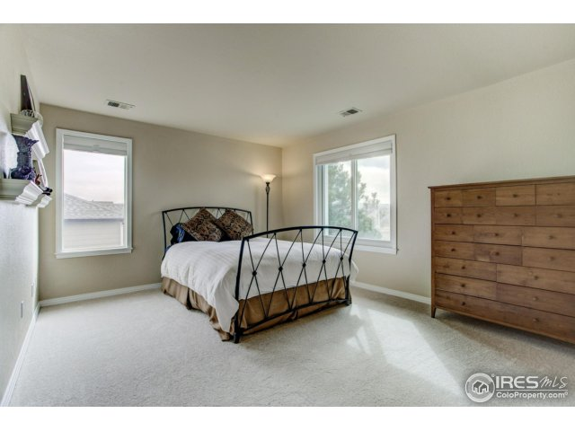 Bedroom 3 w/private bath
