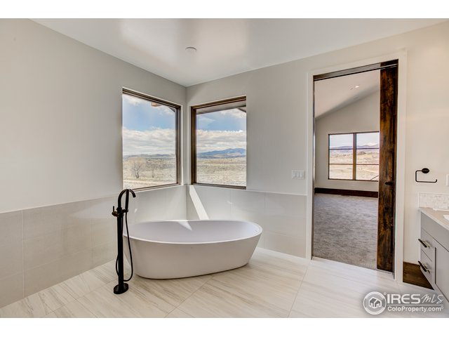 2126 Gamble Oak Dr Loveland, CO 80538 - MLS #: 848856