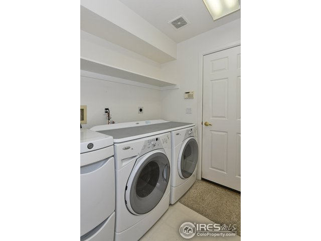 Garage entry with included washer/dryer mudroom