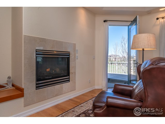 Master w/ Gas Fireplace & Access to Back Deck