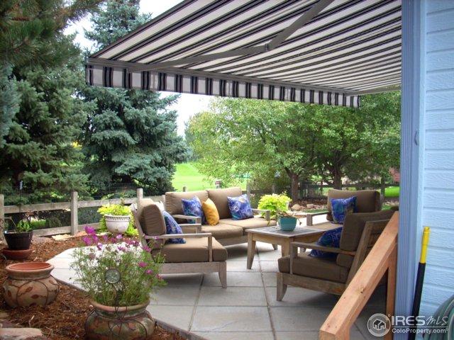 Retractable custom awning