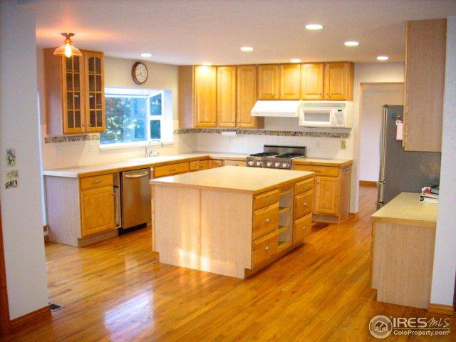 Open & inviting contemporary kitchen