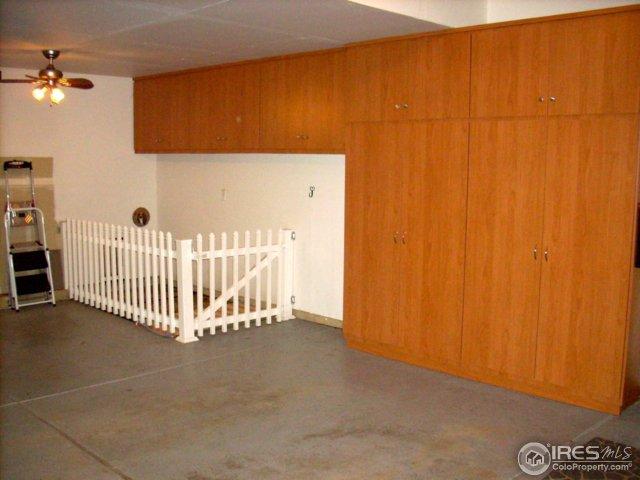 Custom kennel & dog door
