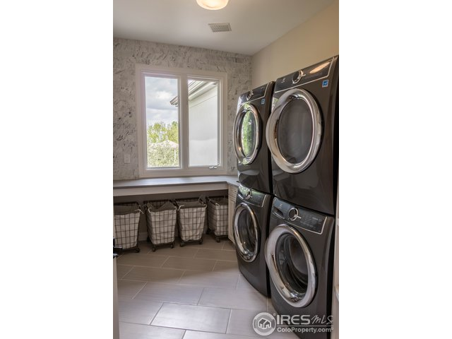 laundry room/ 2 washer/dryers