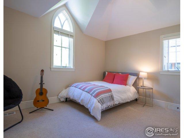 3rd Bedroom UPPER