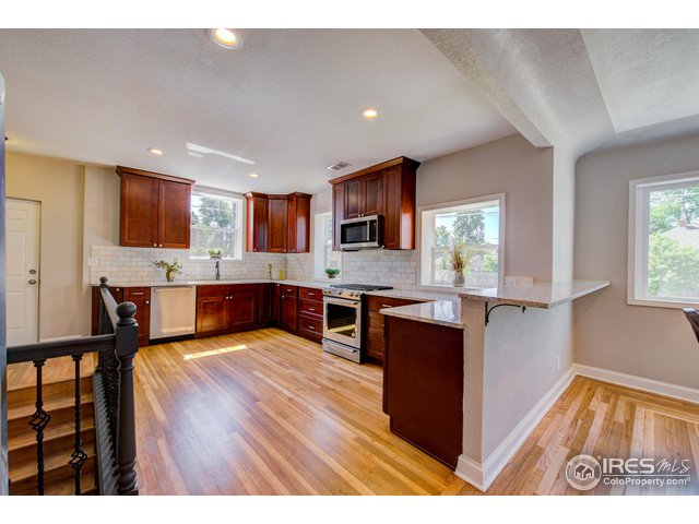 2506 N Glencoe St Denver, CO 80207 - MLS #: 852492