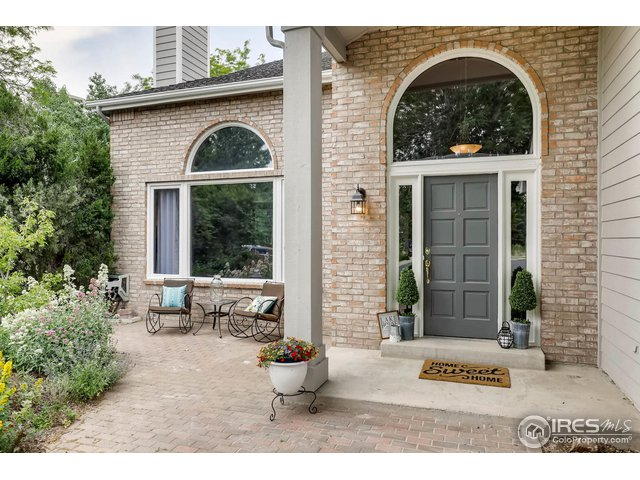 front patio with pavers