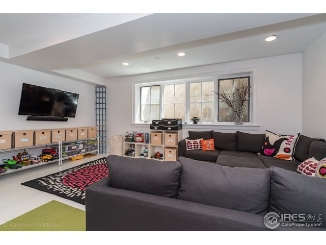 Family Room - Lounging and Fun!