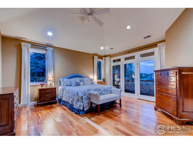Master Suite w/ Large West Facing Balcony w/ VIEWS