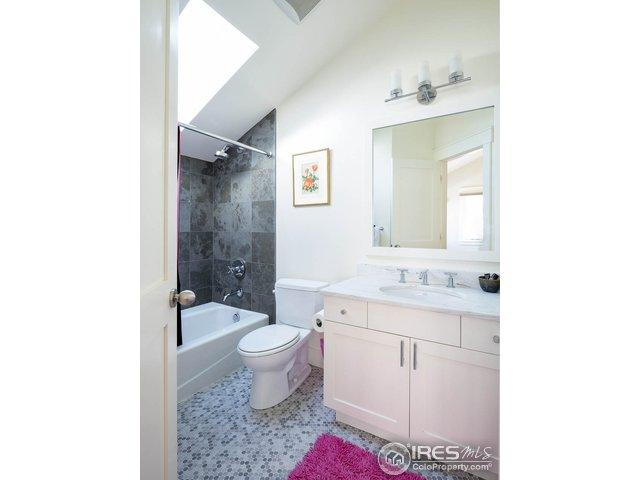 Upper NW Bedroom Bath