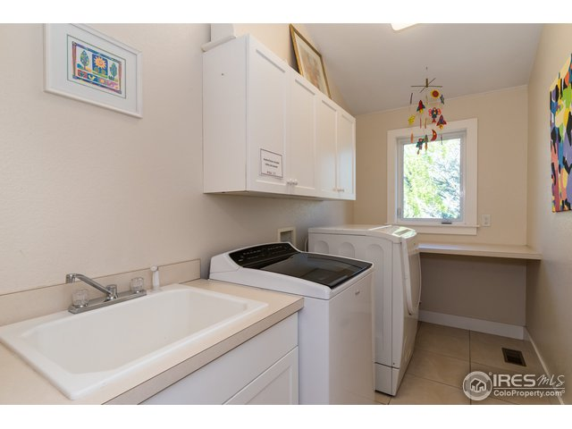 Laundry with Sink