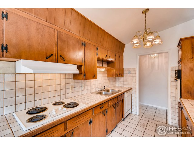 8190 Nola Dr Denver, CO 80221 - MLS #: 858993