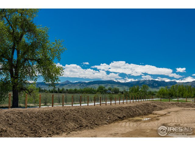 2407 Summerlin Ct Longmont, CO 80503 - MLS #: 860974