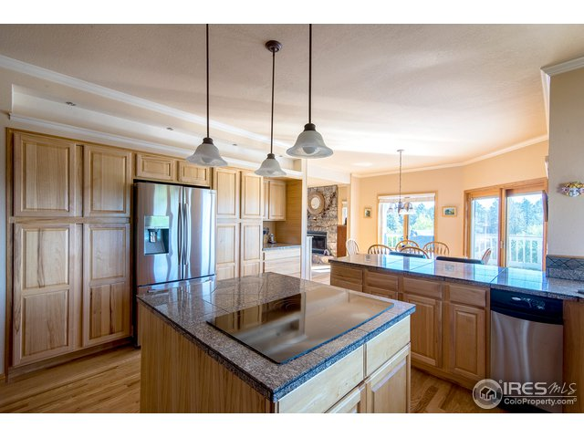 open kitchen-great for entertaining!