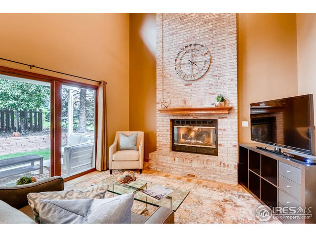 Two story family room, fireplace