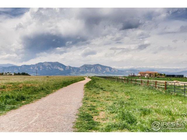 Davidson Mesa Trailhead; 4+ off leash dog park