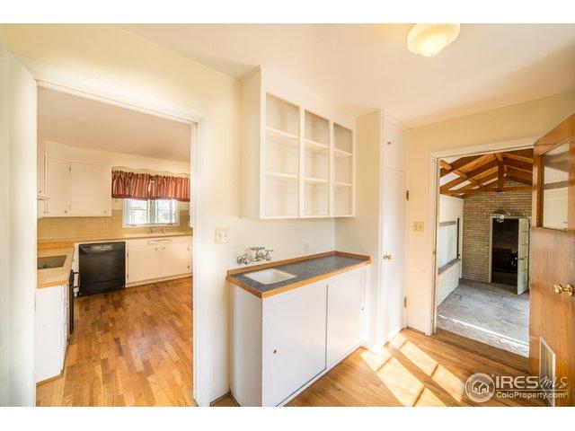 935 W 4th St Loveland, CO 80537 - MLS #: 862068