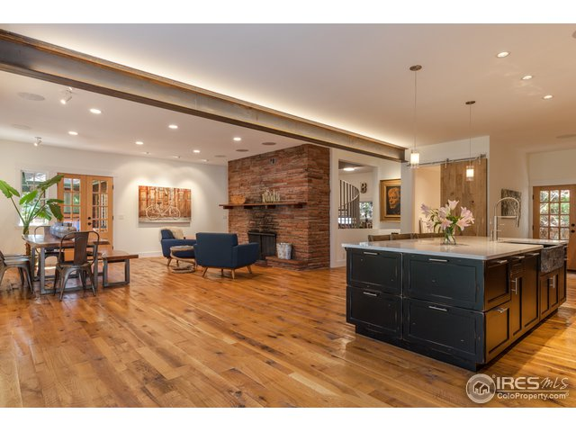 Flowing Open Concept with Fireplace