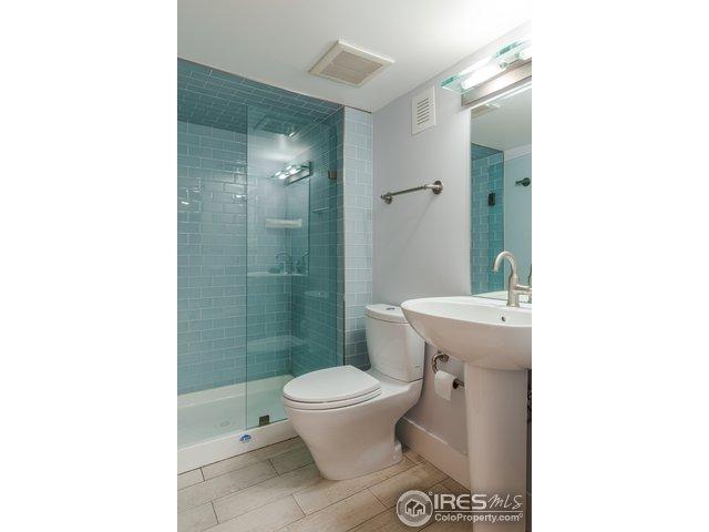 Au Paire Bathroom