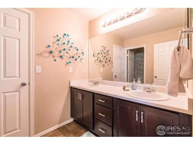 5506 Mustang Dr Frederick, CO 80504 - MLS #: 866423