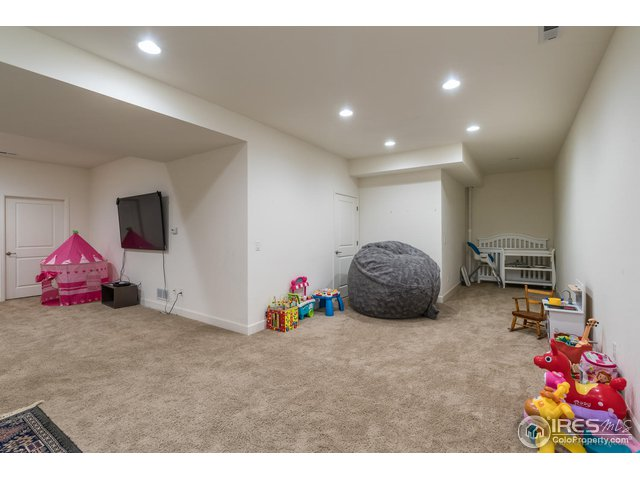 BASEMENT TOO WITH TONS OF SPACE